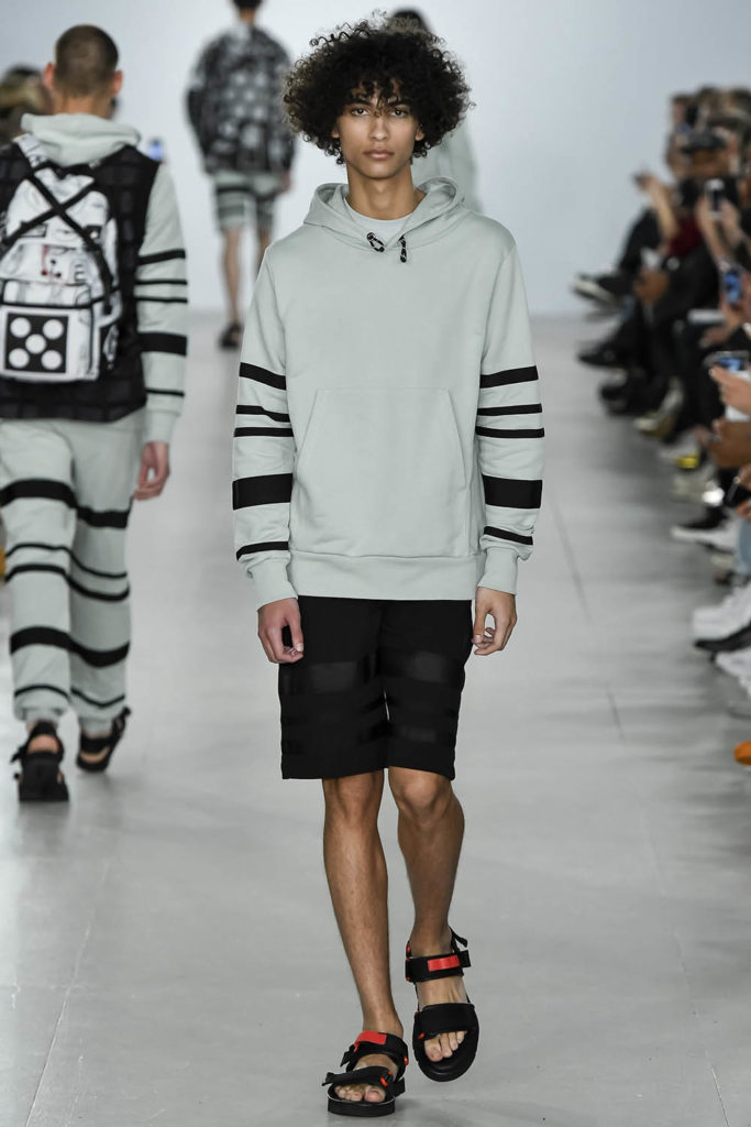 Christopher Raeburn London Fashion Week Men's Spring Summer 2017 - Sagaboi - Look 11