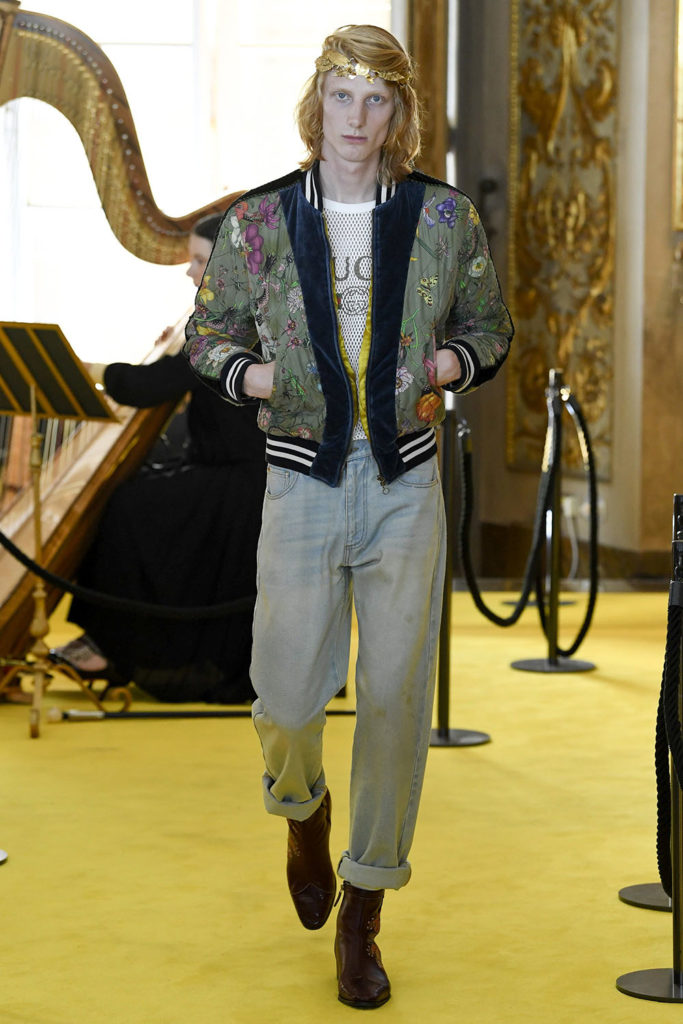 Look 23 – Gucci Resort (Cruise) 2018 Fashion Show at the Palatina Gallery in Florence's Pitti Palace in Italy.
