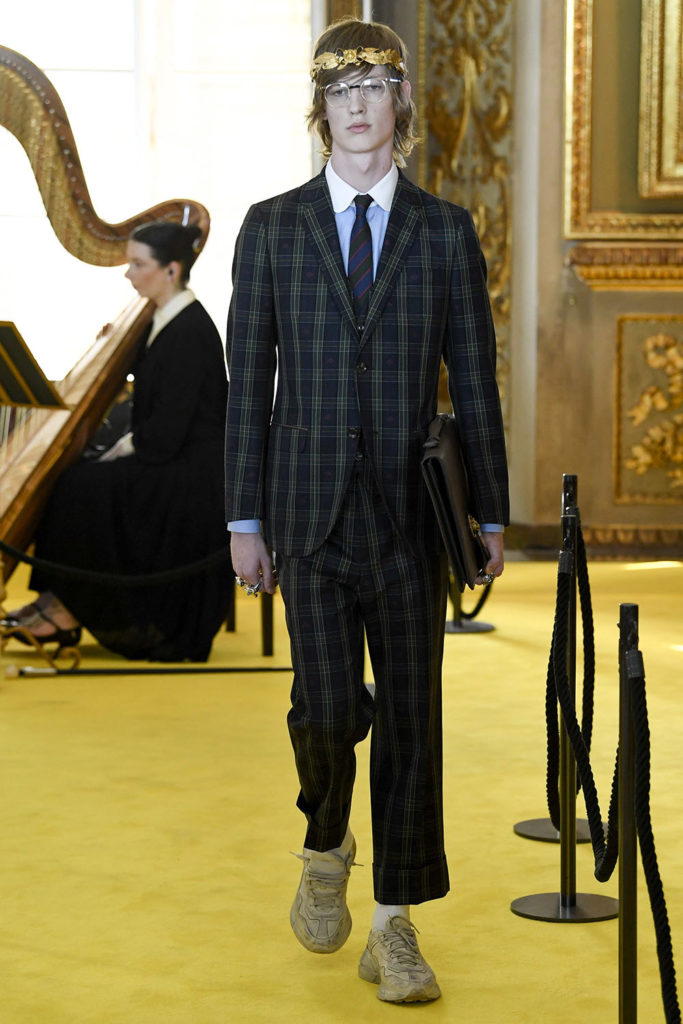 Look 27 – Gucci Resort (Cruise) 2018 Fashion Show at the Palatina Gallery in Florence's Pitti Palace in Italy.