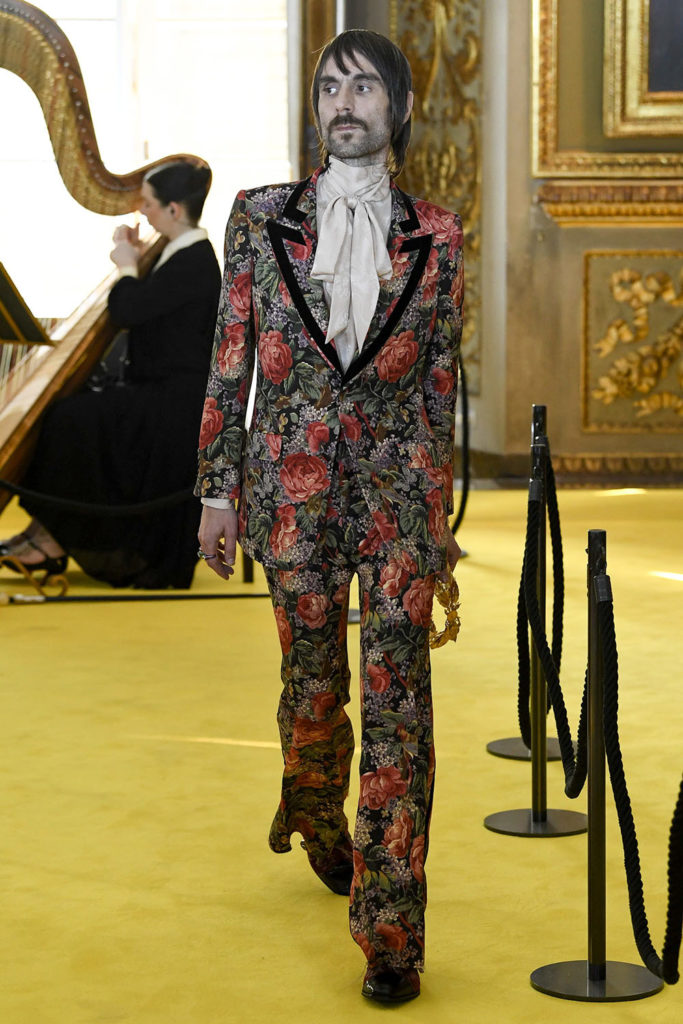 Look 39 – Gucci Resort (Cruise) 2018 Fashion Show at the Palatina Gallery in Florence's Pitti Palace in Italy.