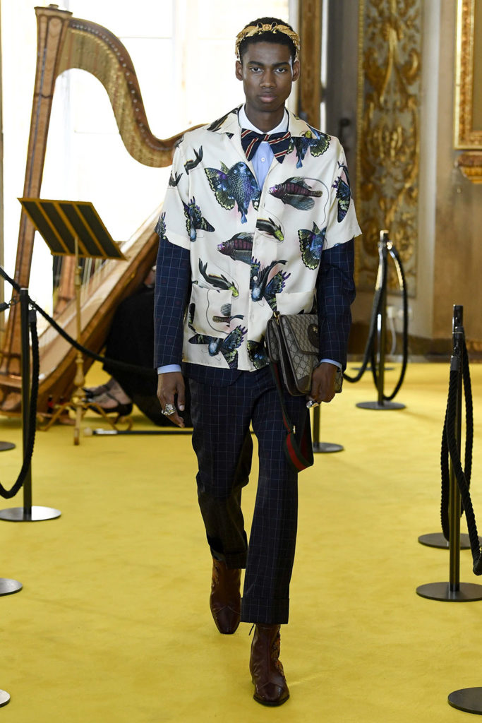 Look 55 – Gucci Resort (Cruise) 2018 Fashion Show at the Palatina Gallery in Florence's Pitti Palace in Italy.