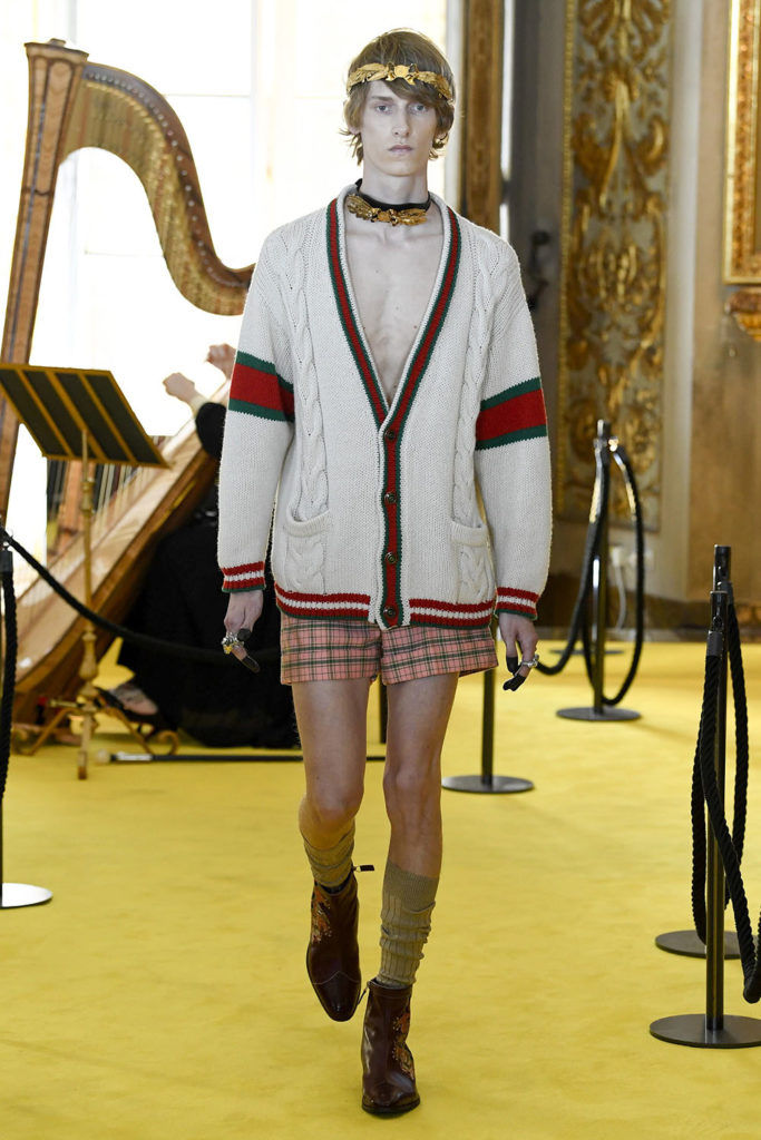 Look 6 – Gucci Resort (Cruise) 2018 Fashion Show at the Palatina Gallery in Florence's Pitti Palace in Italy.