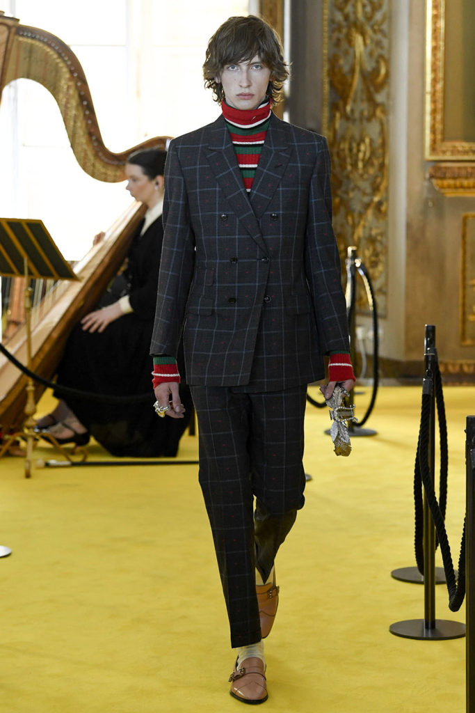 Look 66 – Gucci Resort (Cruise) 2018 Fashion Show at the Palatina Gallery in Florence's Pitti Palace in Italy.