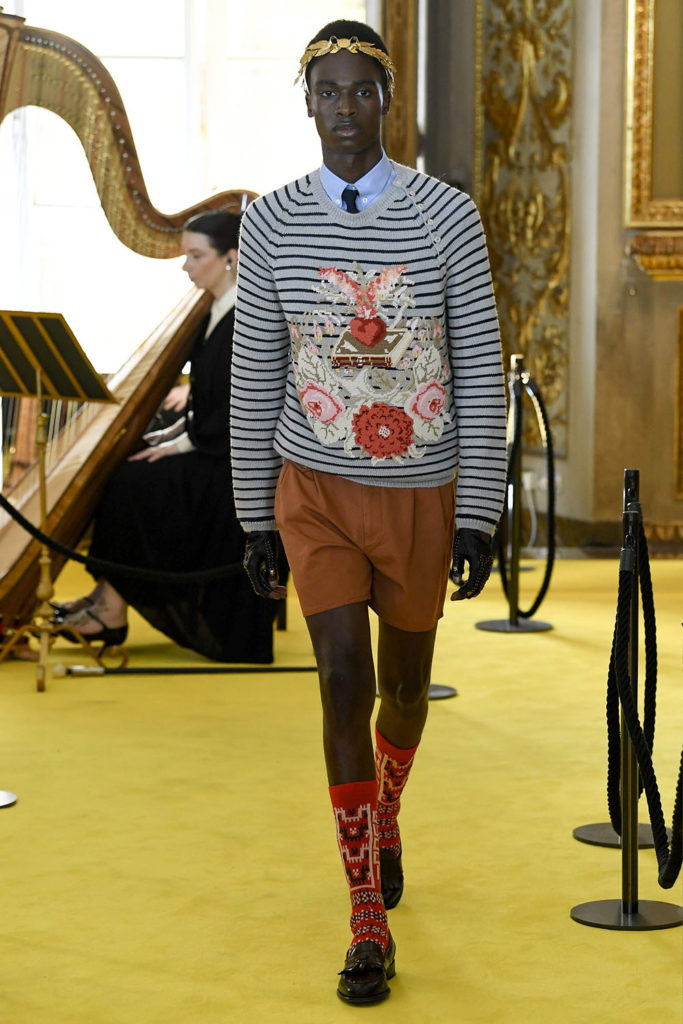 Look 77 – Gucci Resort (Cruise) 2018 Fashion Show at the Palatina Gallery in Florence's Pitti Palace in Italy.