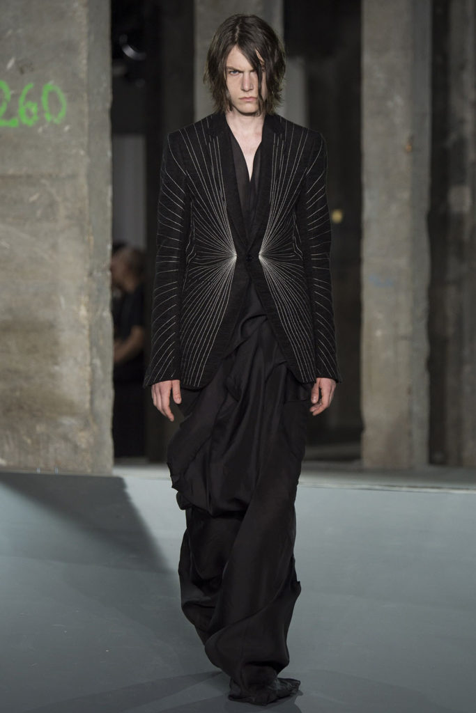 Rick Owens Paris Fashion Week Spring Summer 2017 - Sagaboi - Look 33