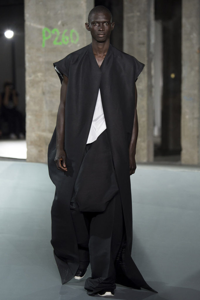 Rick Owens Paris Fashion Week Spring Summer 2017 - Sagaboi - Look 34