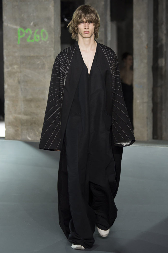 Rick Owens Paris Fashion Week Spring Summer 2017 - Sagaboi - Look 37