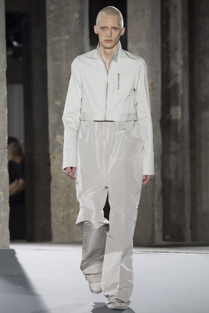 Rick Owens Paris Fashion Week Spring Summer 2017 - Sagaboi - Look 9