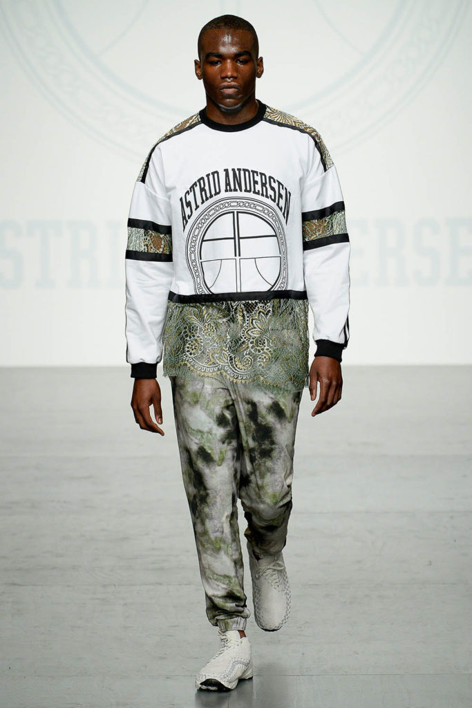 Astrid Andersen London Fashion Week Men's Spring Summer 2018 - Sagaboi - Look 10