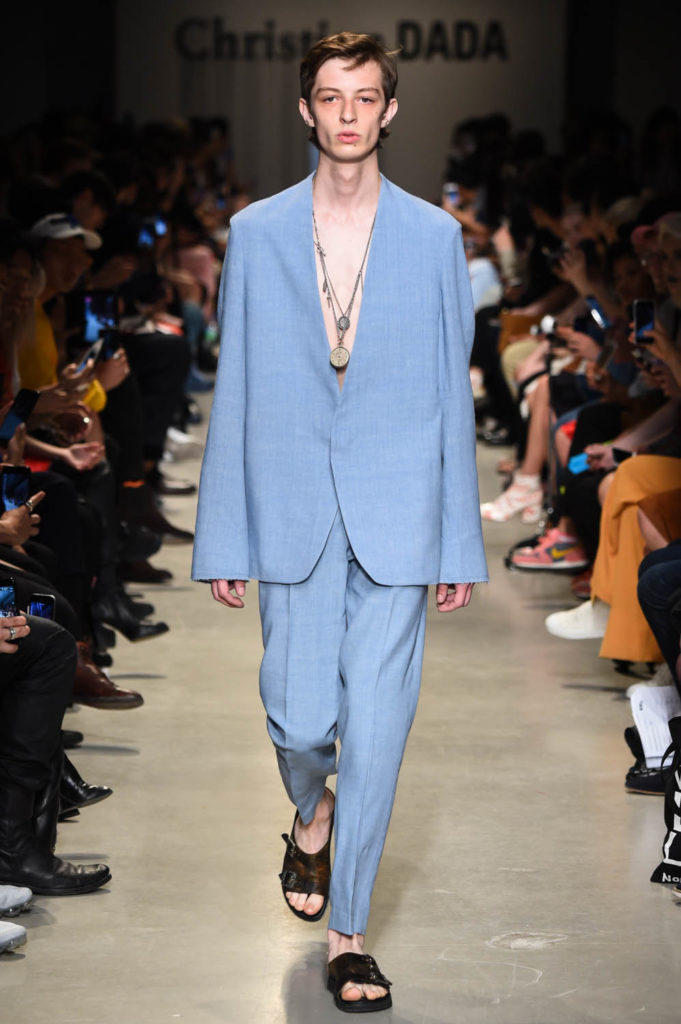 Christian Dada Paris Fashion Week Men's Spring Summer 2018 - Sagaboi - Look 1