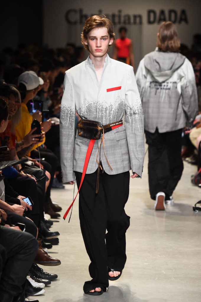 Christian Dada Paris Fashion Week Men's Spring Summer 2018 - Sagaboi - Look 30