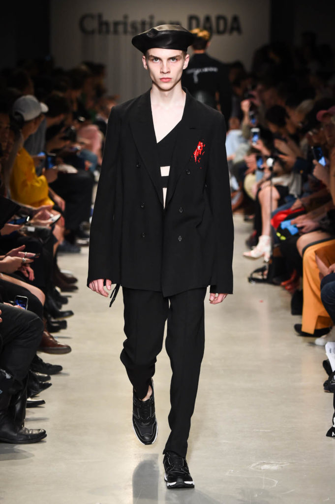 Christian Dada Paris Fashion Week Men's Spring Summer 2018 - Sagaboi - Look 40
