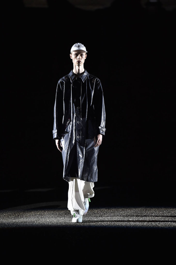 Off-White Pitti Uomo Fashion Week Men's Spring Summer 2018 - Sagaboi - Look 14