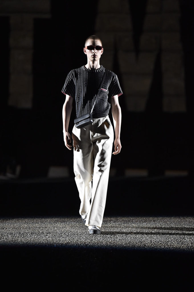 Off-White Pitti Uomo Fashion Week Men's Spring Summer 2018 - Sagaboi - Look 19