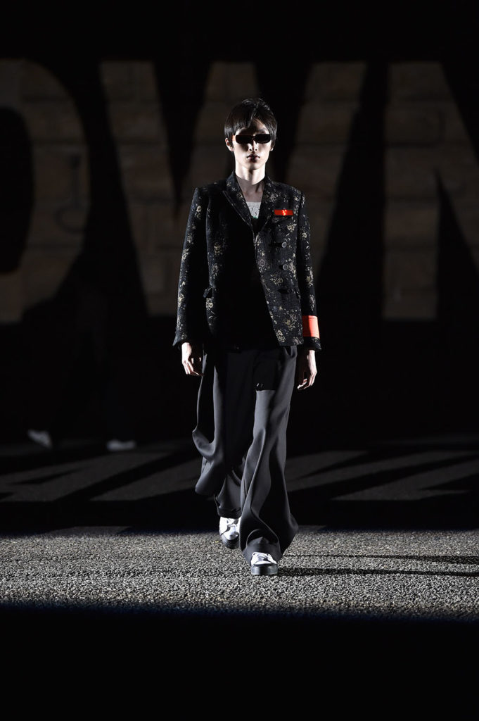 Off-White Pitti Uomo Fashion Week Men's Spring Summer 2018 - Sagaboi - Look 21