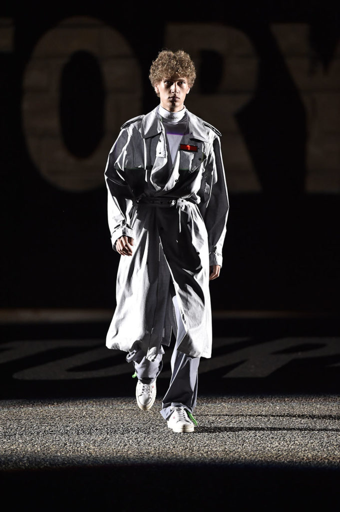 Off-White Pitti Uomo Fashion Week Men's Spring Summer 2018 - Sagaboi - Look 27