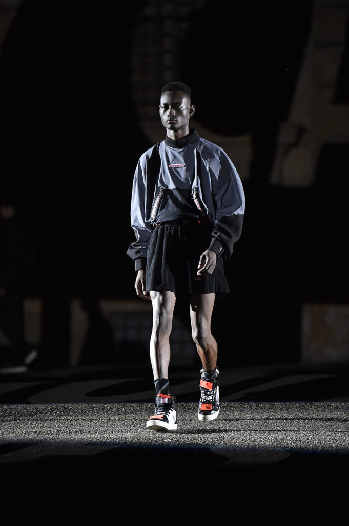 Off-White Pitti Uomo Fashion Week Men's Spring Summer 2018 - Sagaboi - Look 32