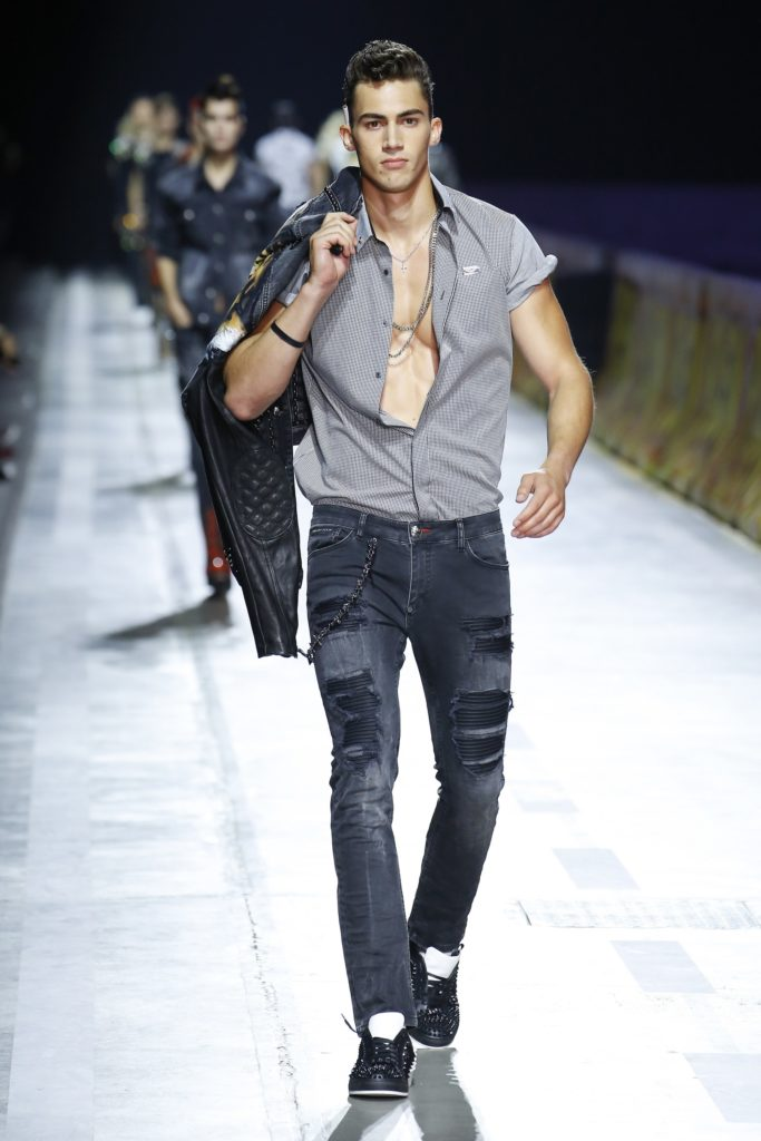 Philipp Plein Milan Fashion Week Men's Spring Summer 2018 - Sagaboi - Look 31