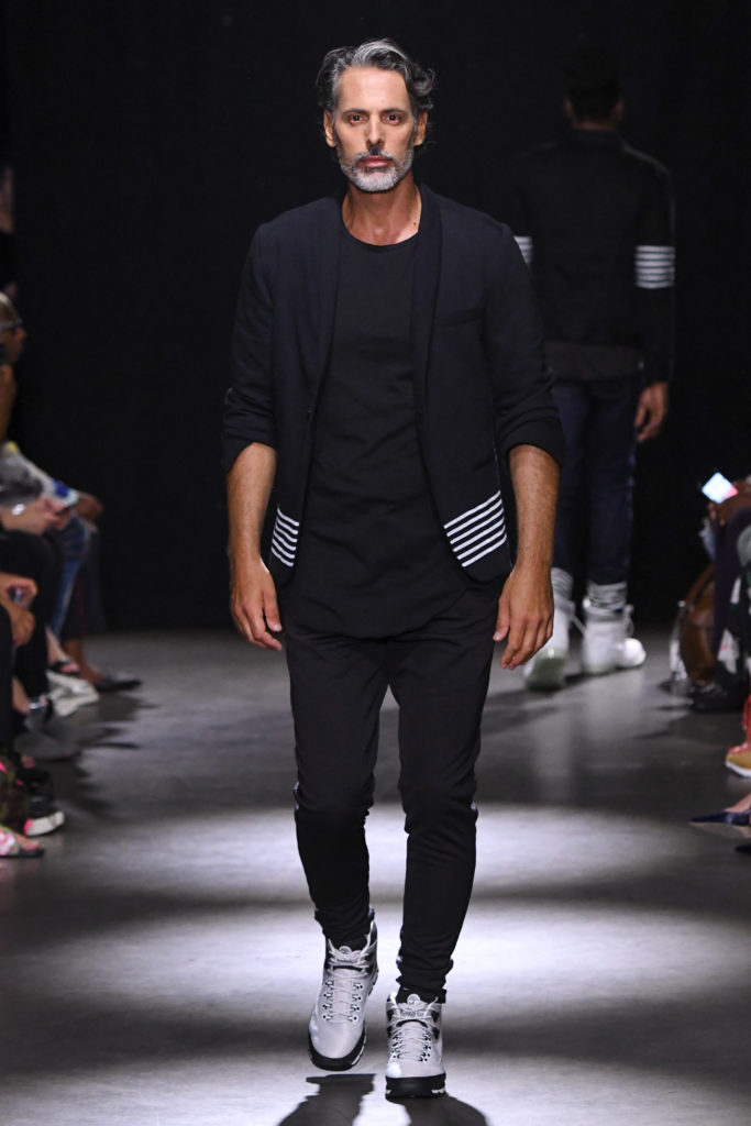 Grungy Gentleman New York Fashion Week Men's Spring Summer 2018 - Sagaboi - Look 2