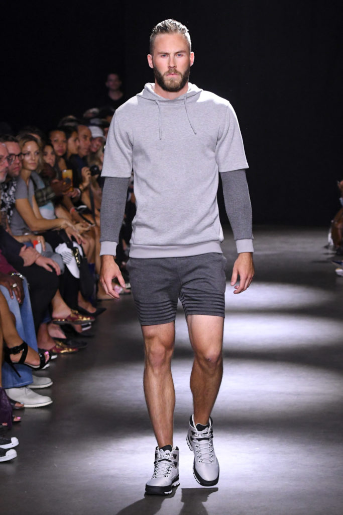 Grungy Gentleman New York Fashion Week Men's Spring Summer 2018 - Sagaboi - Look 26