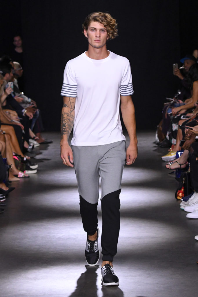 Grungy Gentleman New York Fashion Week Men's Spring Summer 2018 - Sagaboi - Look 36