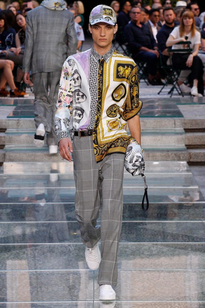 Versace Milan Fashion Week Men's Spring Summer 2018 - Sagaboi - Look 29