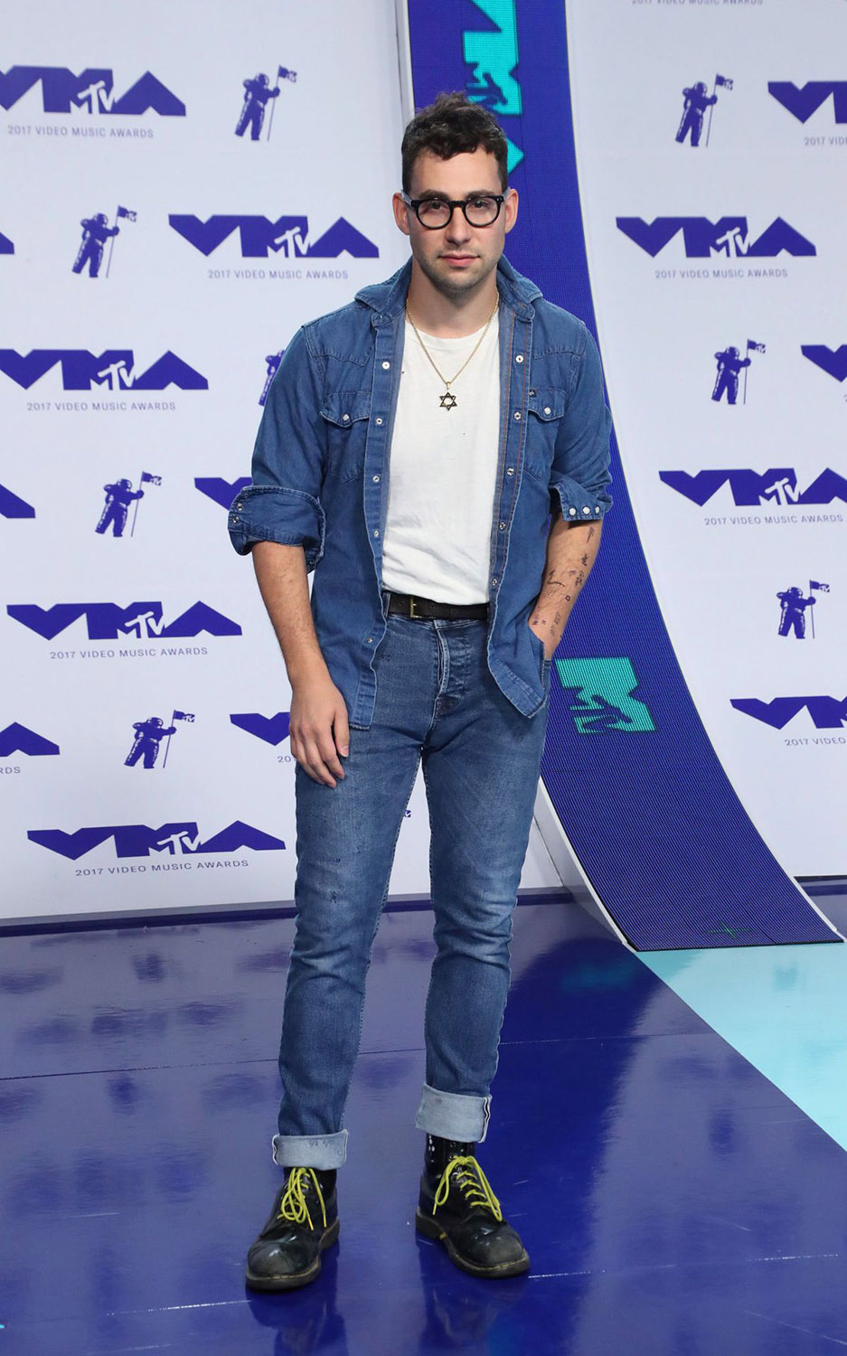 VMAs 2017 Best Dressed (& Worst Dressed) Men