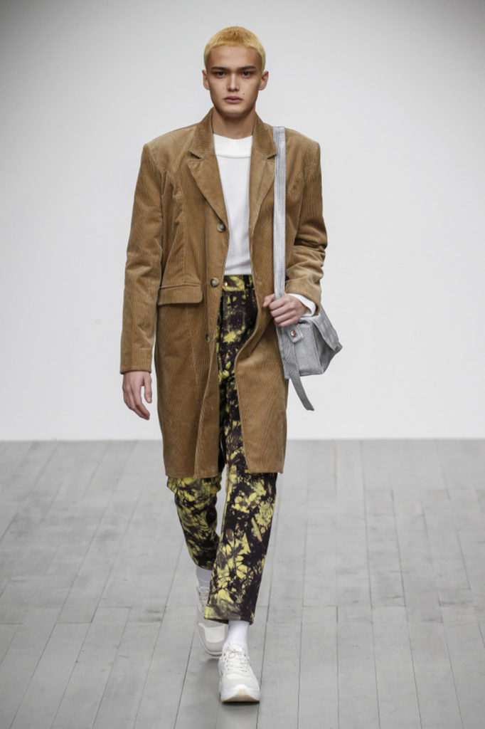 Alex Mullins London Fashion Week Men's Fall Winter 2018 - Sagaboi - Look 17