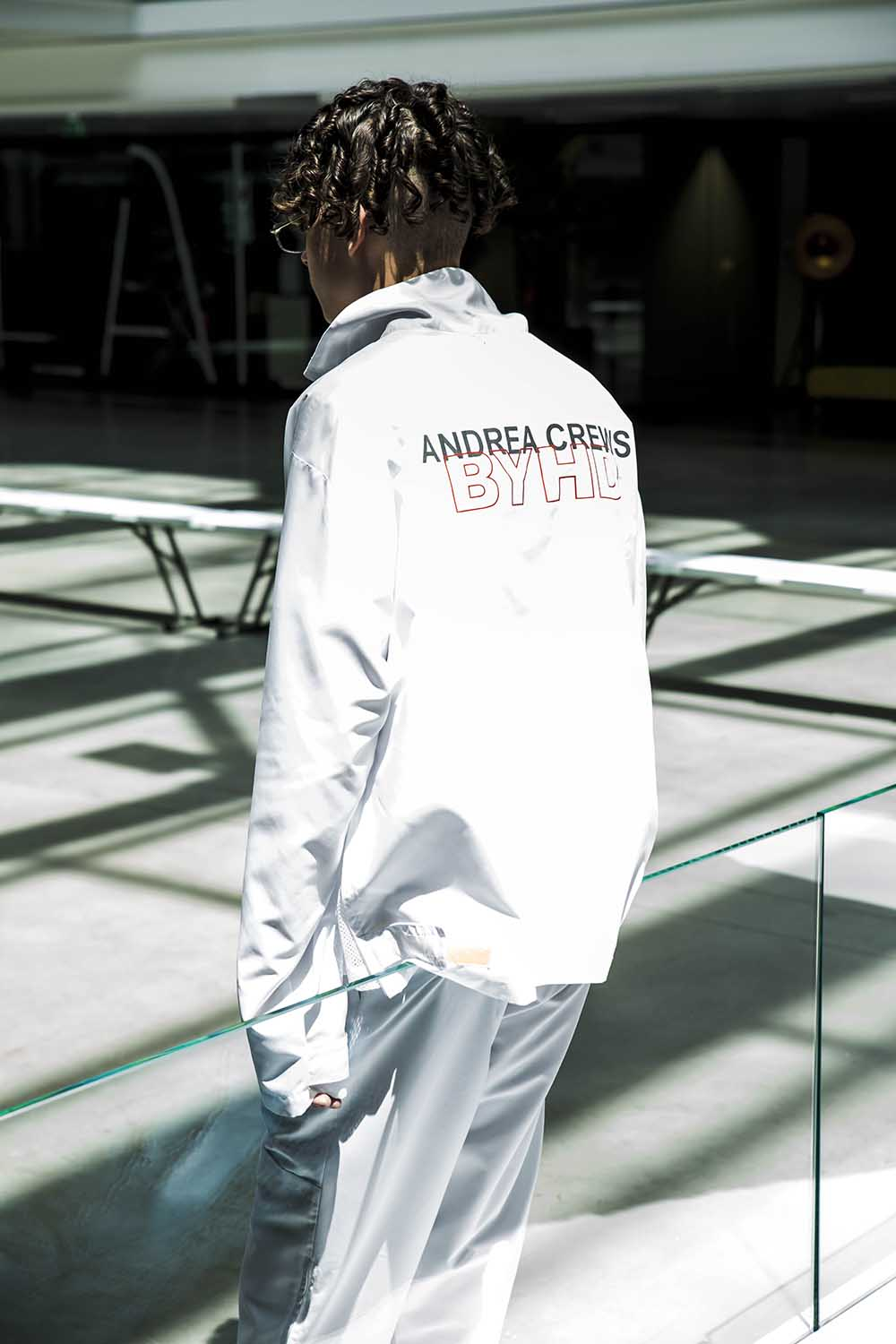 Andrea Crews Spring Summer 2019 fashion show in Paris at Paris Fashion Week (PFW). Sagaboi.com. Model backstage at the Andrea Crews show.