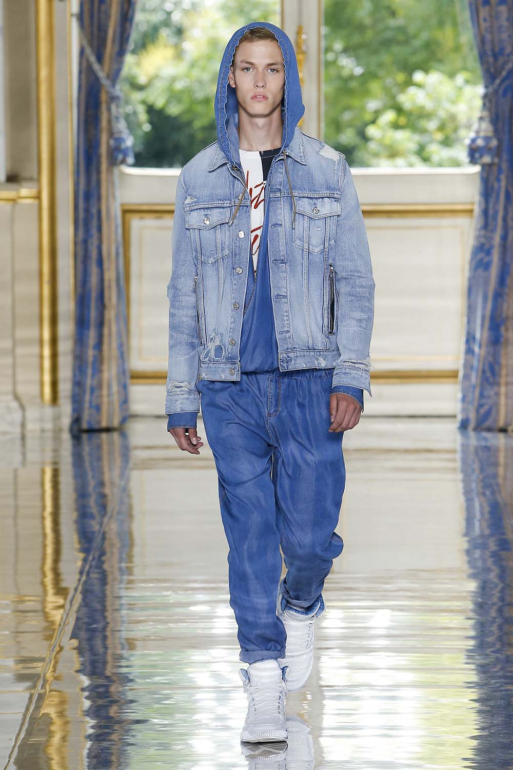 Balmain Paris Fashion Week Men's SS19 - Sagaboi - Look 14