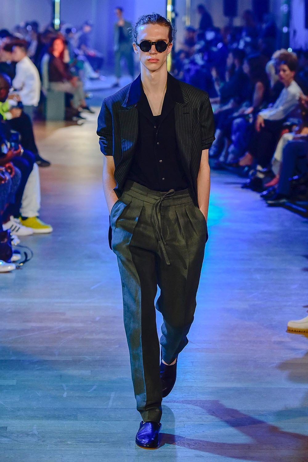 Cerruti 1881 Paris Fashion Week Men's SS19 - Sagaboi - Look 1