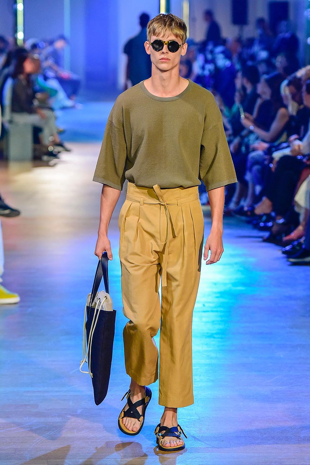 Cerruti 1881 Paris Fashion Week Men's SS19 - Sagaboi - Look 10