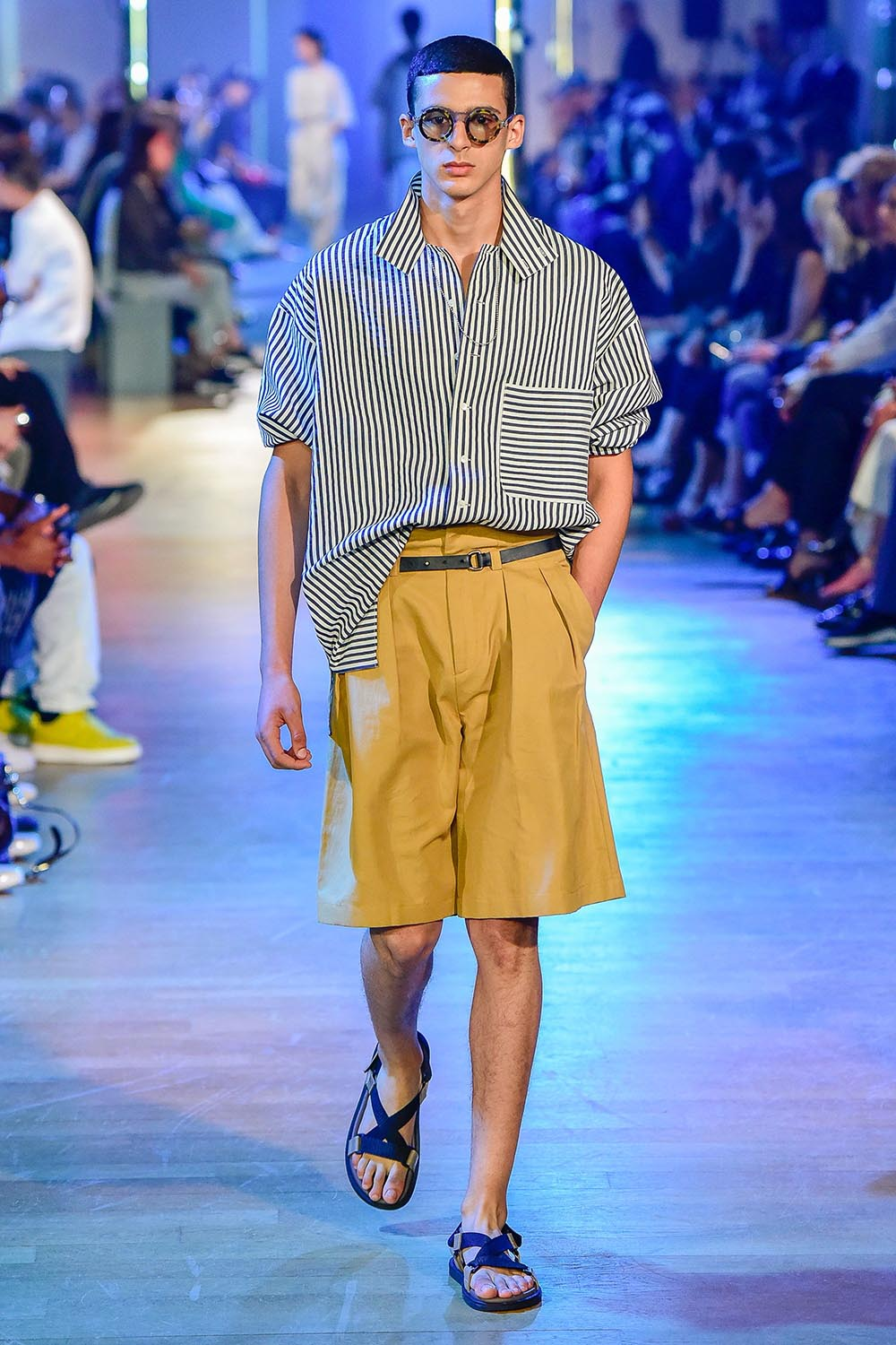 Cerruti 1881 Paris Fashion Week Men's SS19 - Sagaboi - Look 14