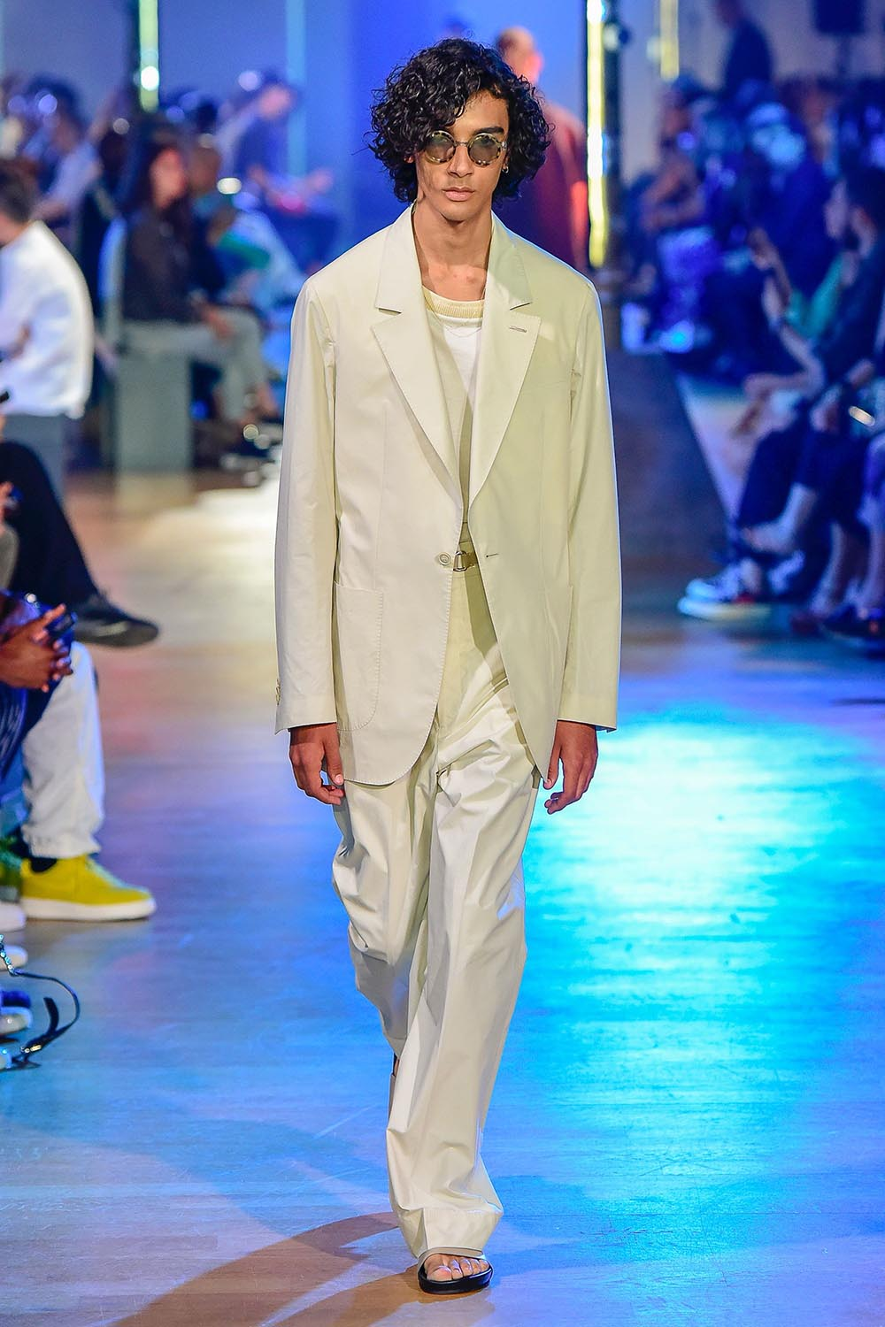 Cerruti 1881 Paris Fashion Week Men's SS19 - Sagaboi - Look 15