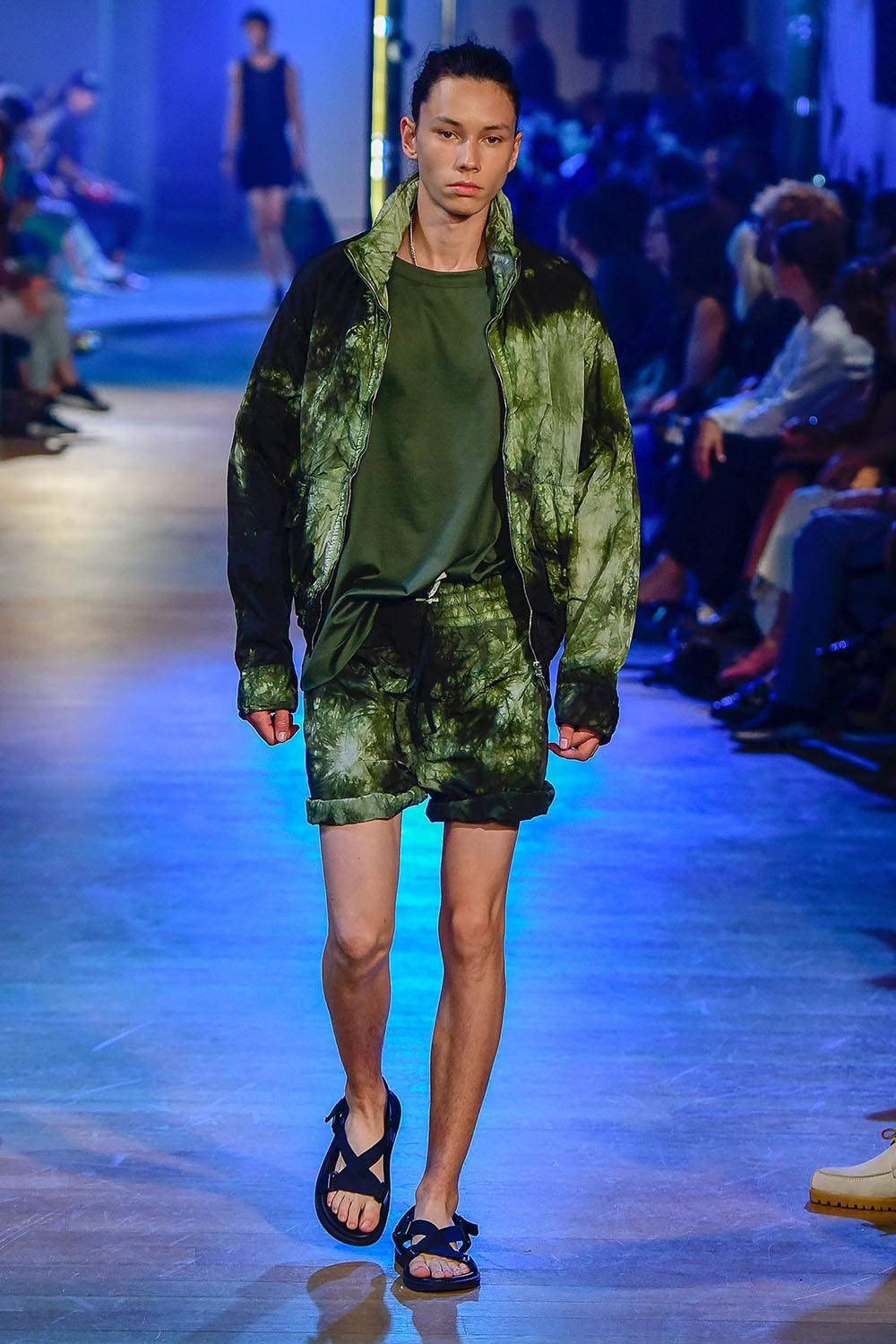 Cerruti 1881 Paris Fashion Week Men's SS19 - Sagaboi - Look 2