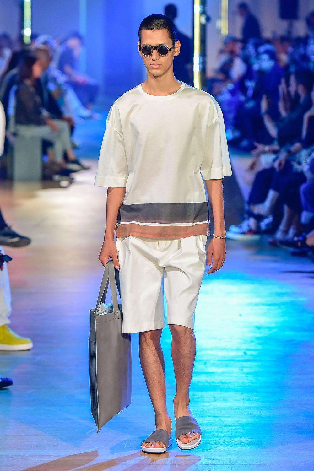 Cerruti 1881 Paris Fashion Week Men's SS19 - Sagaboi - Look 25