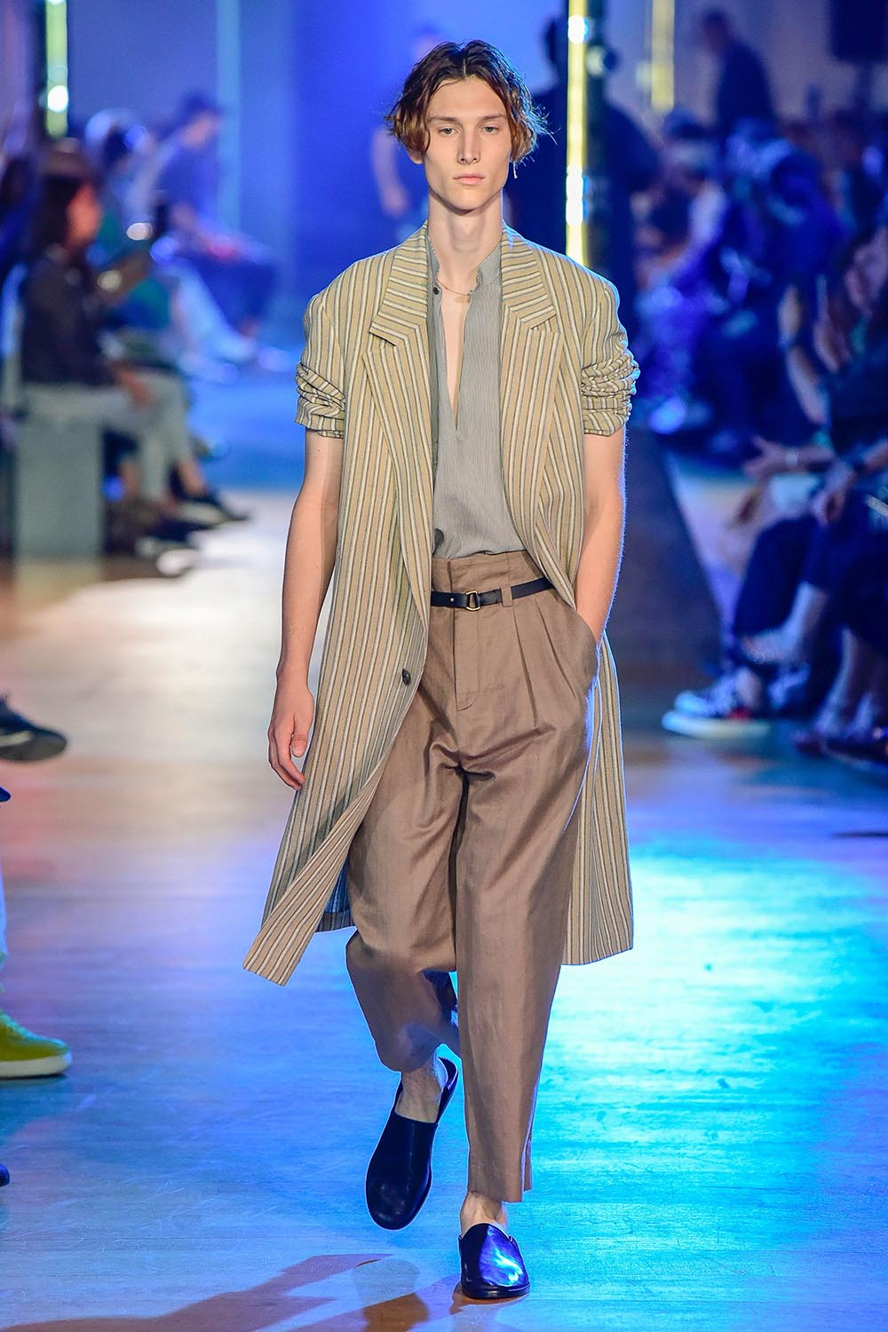 Cerruti 1881 Paris Fashion Week Men's SS19 - Sagaboi - Look 26