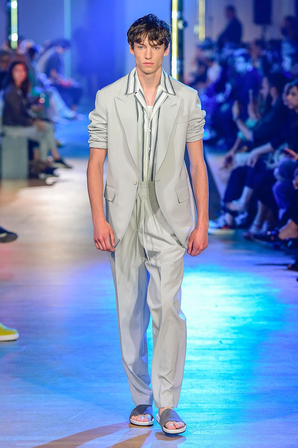 Cerruti 1881 Paris Fashion Week Men's SS19 - Sagaboi - Look 29