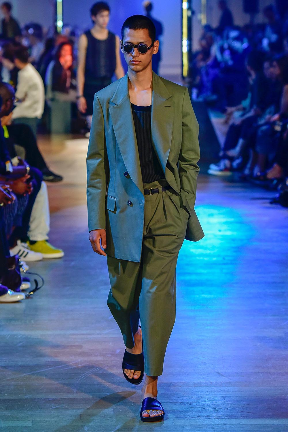 Cerruti 1881 Paris Fashion Week Men's SS19 - Sagaboi - Look 3
