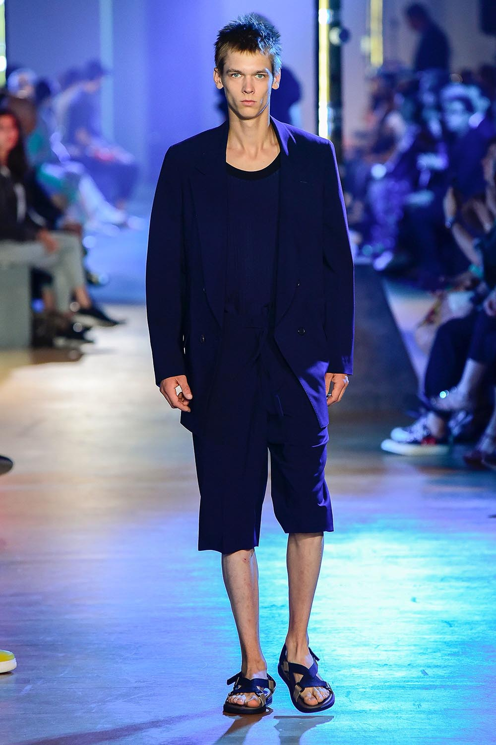 Cerruti 1881 Paris Fashion Week Men's SS19 - Sagaboi - Look 36