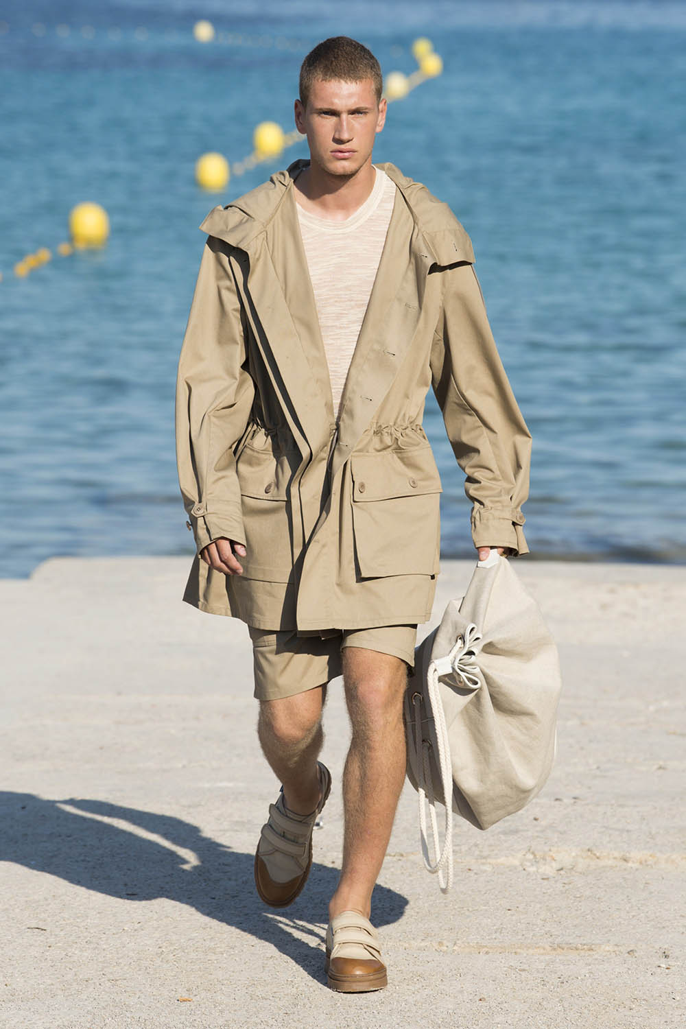 Jacquemus Paris Fashion Week Men's SS19 - Sagaboi - Look 12