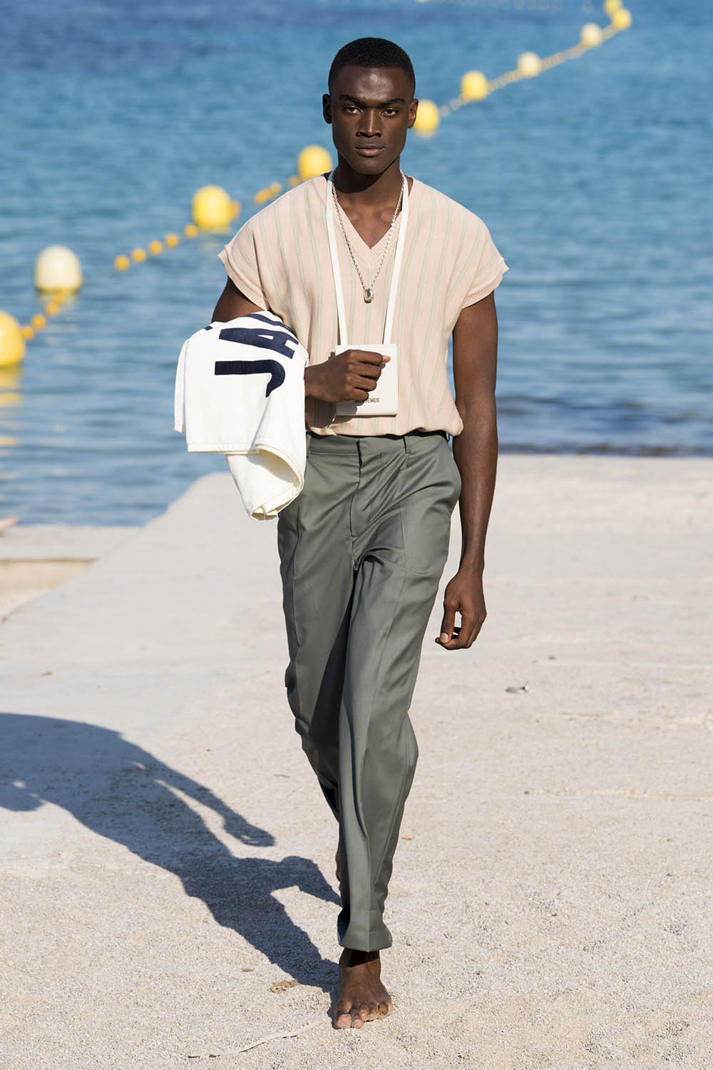 Jacquemus Paris Fashion Week Men's SS19 - Sagaboi - Look 20